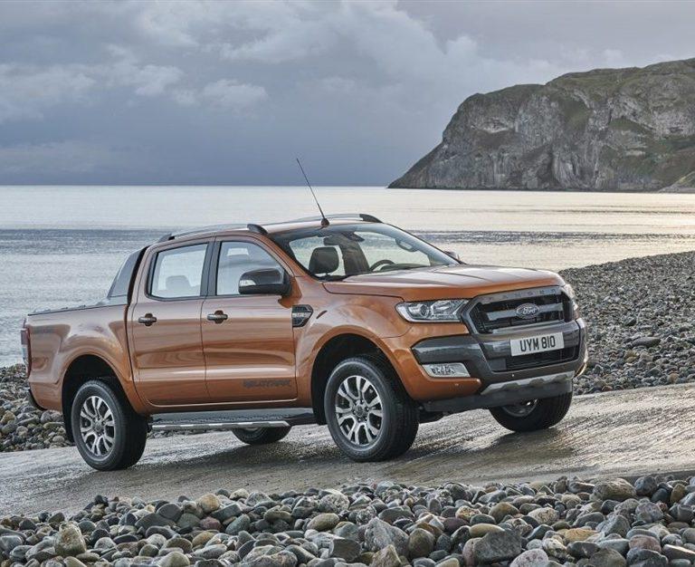 Ford Ranger interni noleggio lungo termine