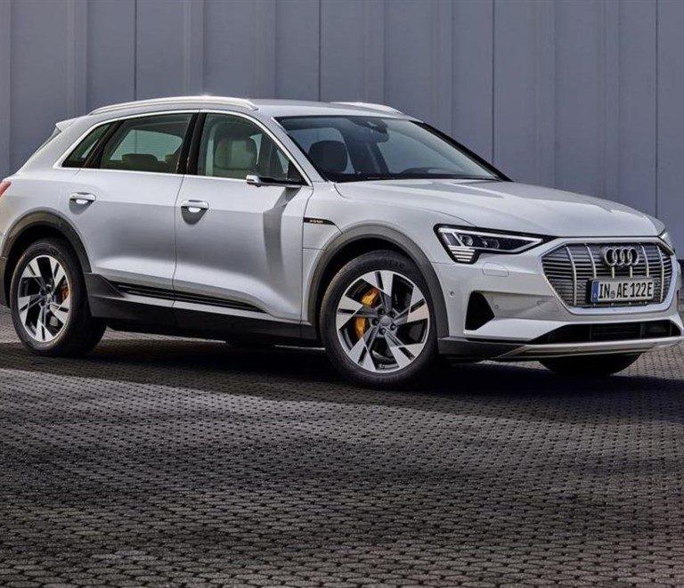 Audi e-tron 50 quattro 313cv a noleggio