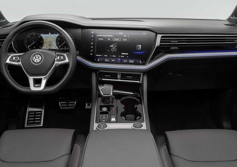 Volkswagen Touareg 3.0 TDI 231cv Style a noleggio